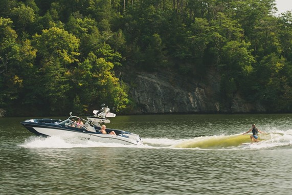 wakeboard boats